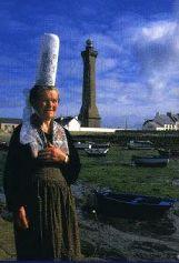 Bigoudène et phare d'Eckmülh à Penmarc'h